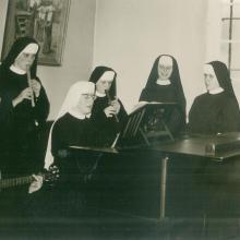 Noviziat beim Musizieren (etwa 1968)